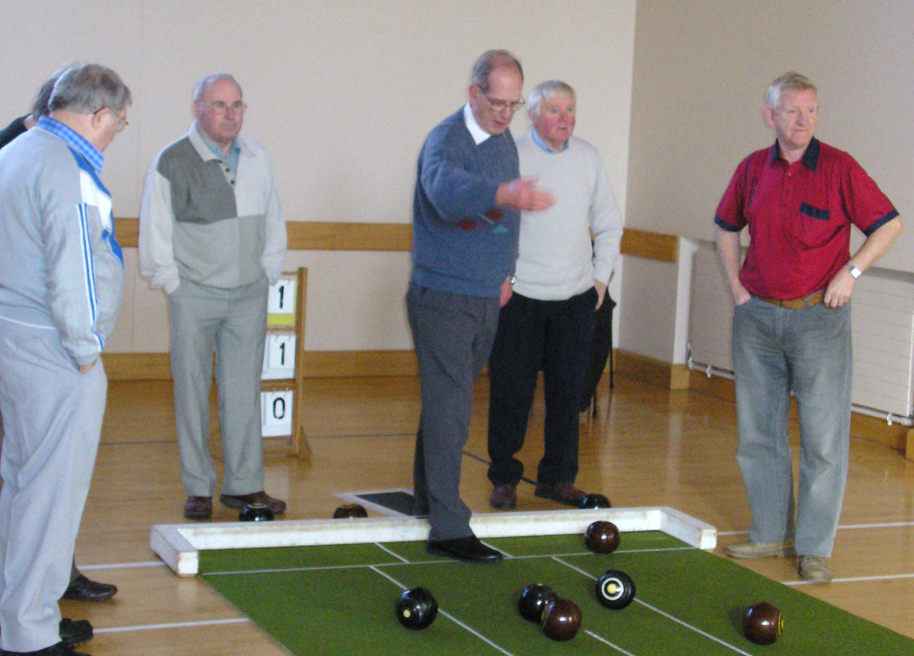 Men's Group Bowls